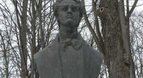 Se întâmplă la Iaşi: hoţii au furat statuile lui Barbu Delavrancea, Ciprian Porumbescu şi Nicolae Gane