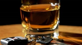 Toţi şoferii trebuie să ştie: Iată în cât timp iese alcoolul din sânge în funcţie de băutură!
