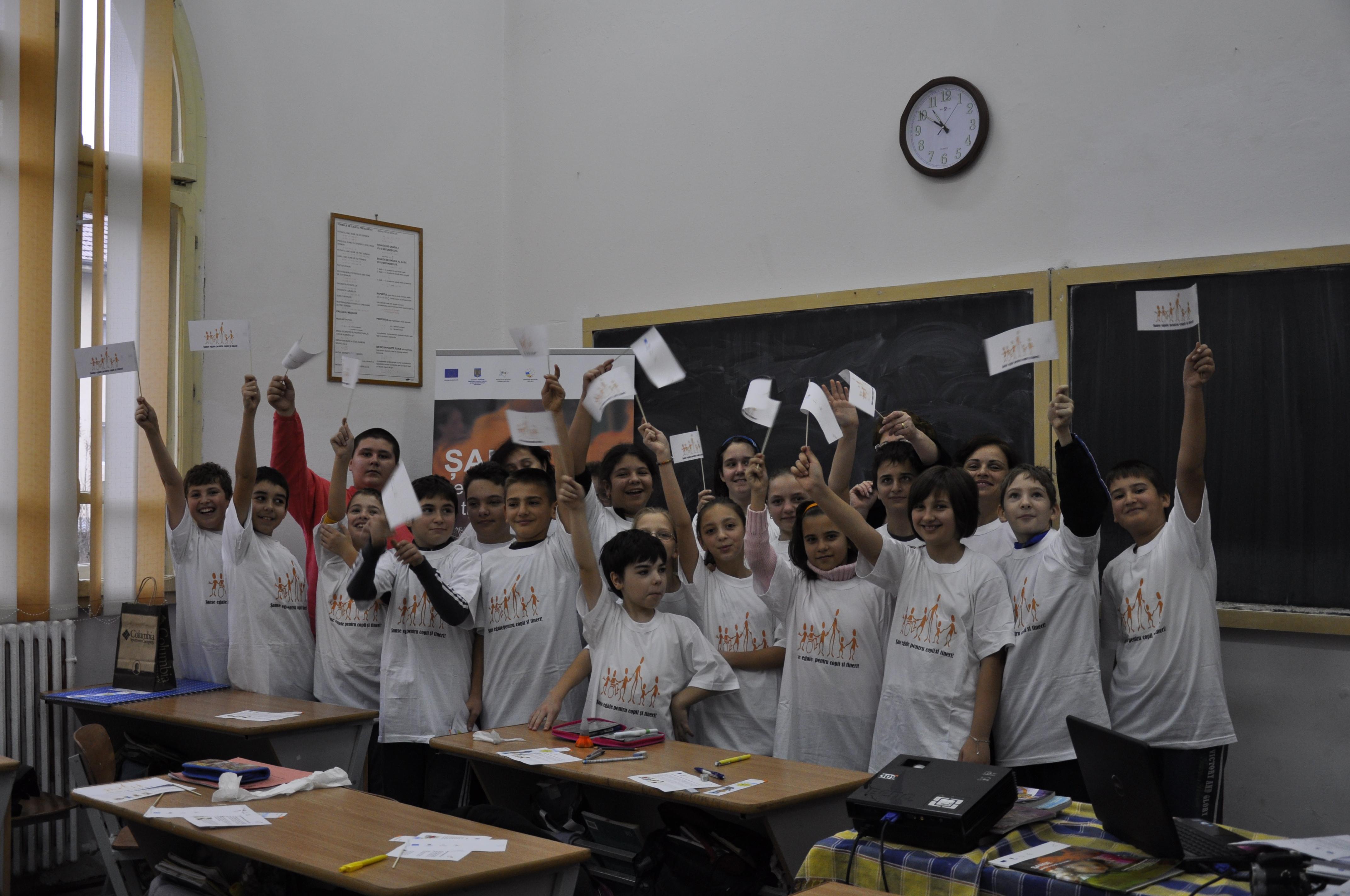 elevi scoala vaslui worldvision
