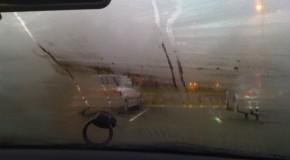 Truc genial: Cum să dezabureşti geamurile maşinii în doar câteva secunde! Nu ţi-a trecut niciodată prin cap să încerci asta