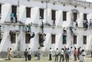 Cum se copiază la examene în India. Ce spune ministrul Educaţiei din această ţară