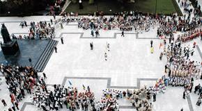"""""""Hora din Străbuni"""" va debuta vineri, la ora 18, cu Parada ansamblurilor folclorice"""