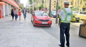 Mit sau adevăr – Parcarea pe trotuar este legală dacă lași un metru liber pentru pietoni