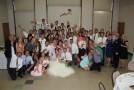 Cea mai tare fotografie de nuntă! Pare o imagine normală, dar un detaliu amuzant a stârnit hohote de râs!