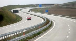 Drumul din Europa unde nu există limită de viteză. Singura interdicţie: nu poţi intra dacă maşina ta nu goneşte cu peste 110 km/h