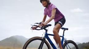 """Povestea """"măicuţei de fier"""", bătrânica ce a doborât mai multe recorduri la triatlonuri – VIDEO"""