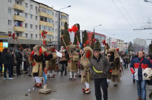 """Peste 1.000 de """"mascați"""" din toate zonele județului vor ocupa duminică, Centru Civic Vaslui"""