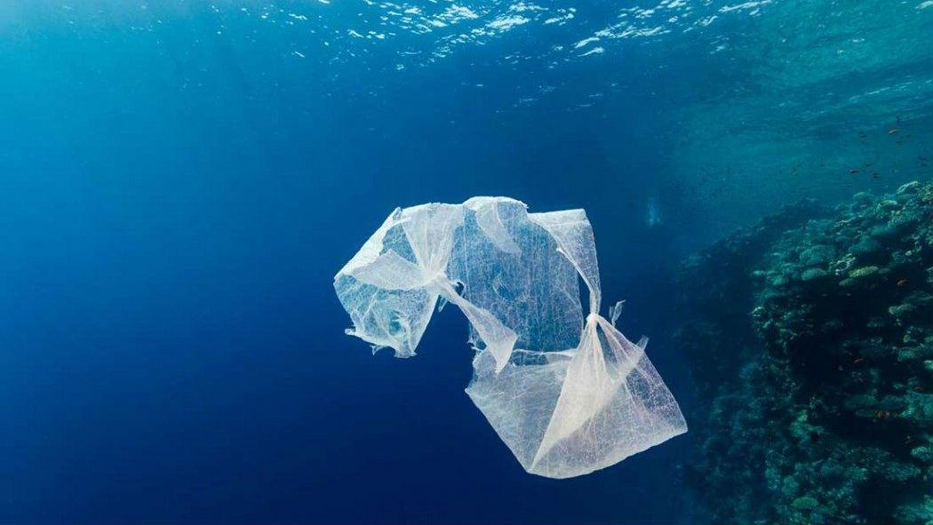 plastic-in-the-ocean 16x9