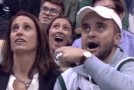 "Selectati la ""Kiss cam"", o femeie si fiul ei au avut o reactie de-a dreptul amuzanta. VIDEO"