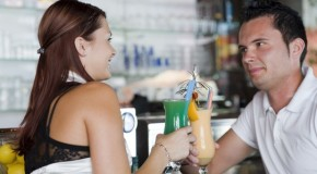 Cum influenţează ALCOOLUL relaţiile romantice