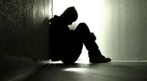 Studiu îngrijorător: Restricţiile din cauza pandemiei au accentuat sentimentul de singurătate în rândul tinerilor