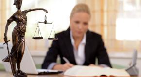Avocații vor avea tarife minimale obligatorii de la 1 octombrie