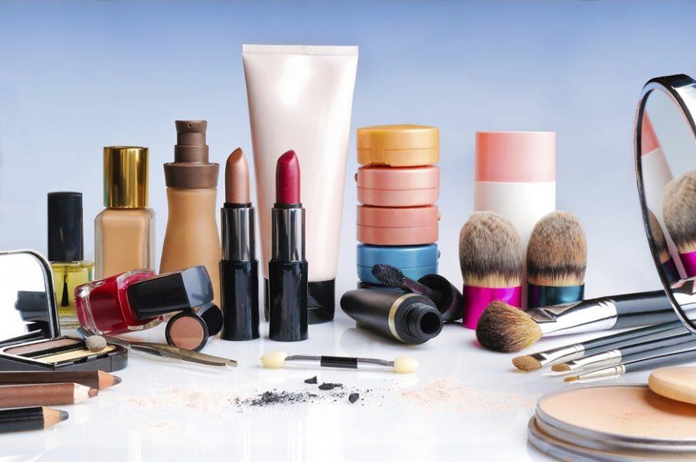 cosmetice-990x657