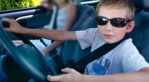 Un puşti de 14 ani a furat banii părinţilor ,ca să-şi cumpere maşină