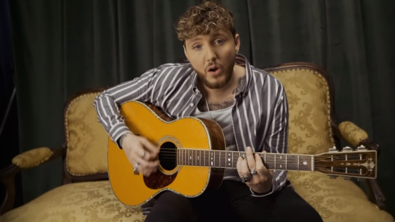 video-james-arthur-empty-space-vertical