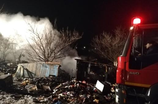 Incendiu devastator in Rediu, o persona a decedat