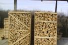 Direcția Silvică se modernizează – doritorii pot face comanda de lemn de foc online și-l primesc acasă gata despicat