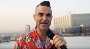 Robbie Williams – I Just Want People To Like Me (videoclip nou)