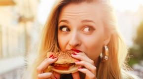 Orele la care mâncăm afectează ritmul circadian și sănătatea metabolică