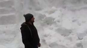 Zăpadă de peste 3 metri într-o parcare la Bâlea Lac