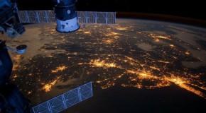 Rezistență dusă la extrem. O bacterie a supraviețuit un an pe exteriorul Stației Spațiale Internaționale