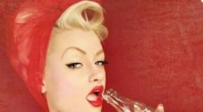Astăzi se împlinesc 134 de ani de când lumea a făcut cunoştinţă cu băutura Coca-Cola