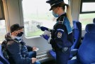 Controale în trenuri si gãrile vasluiene, politistii au verificat dacã oamenii poartã mascã
