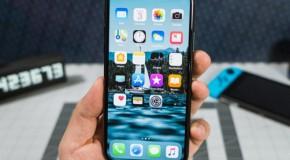 Cât de rezistent e iPhone 12, dacă îl scapi pe jos   VIDEO