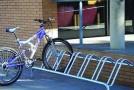 Autoritãtile publice si scolile, obligate prin lege sã asigure rastelurile pentru biciclete