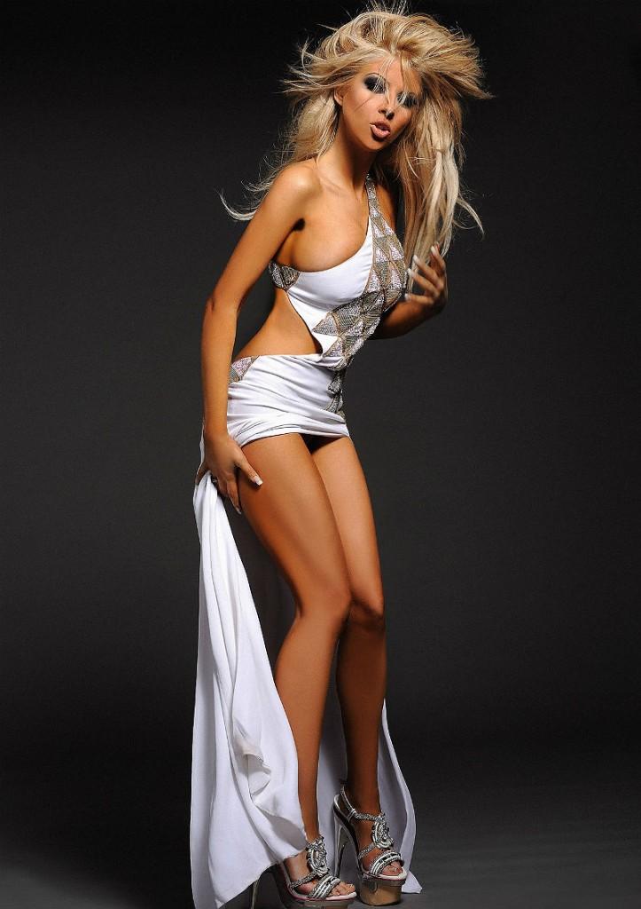 Andrea-singer